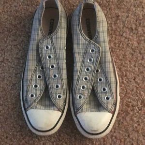 low top white grey and black converse!!!